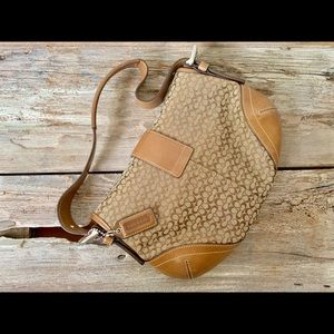Coach Bags - Coach brown jacquard hobo leather bag J04W-6818